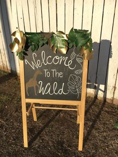 29 Magnificent Inspiring ideas For Baby Shower Welcome Sign, Baby Shower Signs, Boy Baby Shower Themes, Baby Shower Decorations, Shower Centerpieces, Boys First Birthday Party Ideas, Wild One Birthday Party, 2nd Birthday, Giraffe Birthday