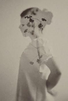 double exposure // black and white photography Creative Photography, Fine Art Photography, Portrait Photography, Photography Flowers, Photography Ideas, Photomontage, Photo Polaroid, Double Exposition, Foto Portrait