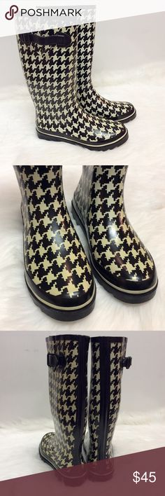 Houndstooth Rain Boots ⚪️Preloved ⚪️Very Good Condition Talbots Shoes Winter & Rain Boots