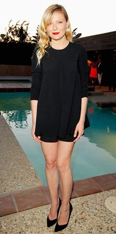 JUNE 15, 2013 Kirsten Dunst Editor's choice WHAT SHE WORE At a dinner party celebrating the Proenza Schouler designers, Kirsten Dunst showed off her lean legs in the label's black viscose shorts and matching black satin top.