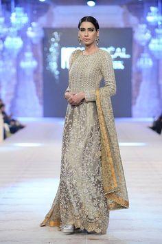Best Pakistani Fashion Designer Bridal Collections at PFDC L'Oreal Paris Bridal Couture Week - Saniya Maskatiya Pakistani Wedding Dresses, Pakistani Bridal, Pakistani Outfits, Indian Dresses, Indian Saris, Women's Dresses, Walima Dress, Pakistani Clothing, Bollywood Outfits
