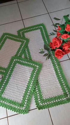 Crochet Mat, Crochet Carpet, Crochet Table Runner, Crochet Doilies, Hand Crochet, Baby Knitting Patterns, Crochet Patterns, Coaster Design, Granny Square Crochet Pattern
