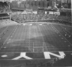 Yankee Stadium (New York Giants football) New York Stadium, New York Giants Football, New York Yankees, Nfl Football, Sports Stadium, Nfl Sports, Nfl History, American History, Giant Vintage