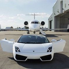 #Luxury #lifestyle with #privatejet and #lamborghini