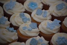 Bilderesultat for blå kake Cupcakes, Baby Shower, Desserts, Google, Babyshower, Tailgate Desserts, Cupcake Cakes, Deserts, Postres