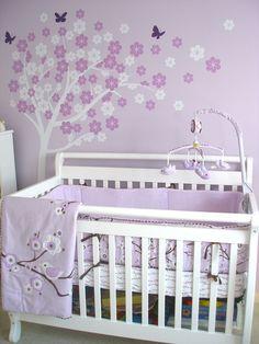 Mamá, yo quiero una habitación con árboles y mariposas...