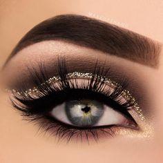 Aspiring makeup enthusiast from Sweden makeupthang@hotmail.com 📧 YouTube: makeupthang 🎥