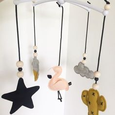 Idea: black wire and beads. And method of attachment to mobile convenient. And form . Diy Baby Gifts, Baby Crafts, Baby Gym, Baby Kids, Nursery Wall Art, Nursery Decor, Diy Bebe, Baby Couture, Baby Bedroom
