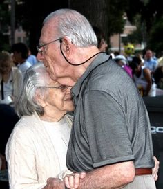 I love seeing old couples so in love :) Old Love, Real Love, True Love, Older Couples, Couples In Love, Adorable Couples, Sweet Couples, Forever Love, Forever Young