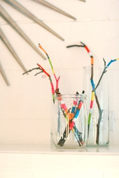 With Kids: AB Chao Bored kids? Wrap twigs and branches with embroidery thread for a centerpiece. Wrap twigs and branches with embroidery thread for a centerpiece. Diy Projects To Try, Projects For Kids, Diy For Kids, Craft Projects, Crafts For Kids, Kunst Party, Kids Wraps, Diy And Crafts, Arts And Crafts