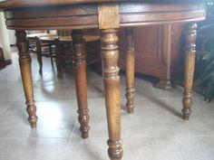 Table ronde à six pieds - https://www.lesbrocanteurs.fr/annonce-antiquaire/table-ronde-a-six-pieds/