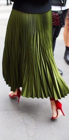 Pleated skirt | street style | fashion inspiration