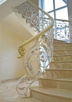 Фотографии Художественная ковка в городе Хмельницкий Wrought Iron Staircase, Staircase Handrail, Iron Stair Railing, Stair Railing Design, Metal Stairs, Stair Decor, Grand Staircase, Interior Stairs, Home Interior Design