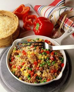 Reis-Hackfleisch-Pfanne Rice and minced meat pan – smarter – calories: 617 Kcal – time: 45 min. Healthy Eating Tips, Healthy Nutrition, Healthy Snacks, Clean Eating, Diet Recipes, Cooking Recipes, Healthy Recipes, Rice Recipes For Dinner, Risotto