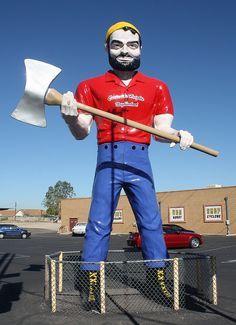 Muffler Man In Don's Hot Rod Shop parking lot - Tucson, Arizona