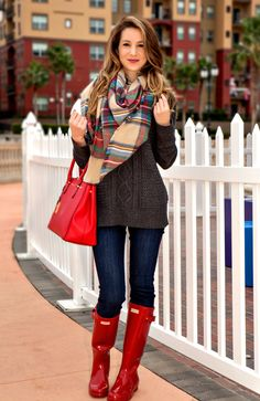 Chunky cable knit sweater, tartan blanket scarf, and red hunter boots OOTD