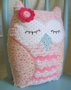 So cute. this would go perfectly with my future babies owl themed nursery Owl Themed Nursery, Owl Nursery, Nursery Ideas, Baby Girl Owl, Baby Owls, Craft Projects, Sewing Projects, Nursery Twins, Owl Crafts
