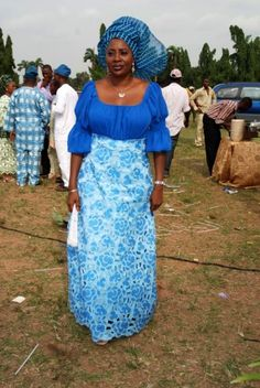 Nigeria Women Latest Clothes | in addition we see western influences in the fabric cuts implemented ...