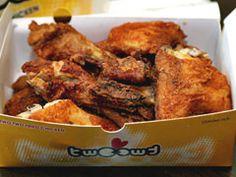 ホテルで飲み食いしたいなら必須!「お持ち帰り」は韓国語で?。日替わりで韓国語のフレーズや単語、韓国旅行で使えるとっさのハングルや韓国の流行語を紹介。2014-12-05の韓国語は、「包装、テイクアウト、お持ち帰り」を意味する「포장(ポジャン)」 Chicken Wings, Pork, Meat, Kale Stir Fry, Pork Chops, Buffalo Wings