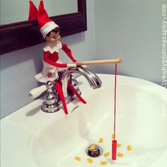 "Master List of ideas for Elf On The Shelf -- Our family has an Elf that comes each year creatively named ""Noel""! :) Here are some creative photos! Primitive Christmas, Winter Christmas, All Things Christmas, Christmas Holidays, Christmas Crafts, Christmas Decorations, Christmas Ideas, Merry Christmas, Xmas Elf"