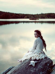 beauty from another time...reminds me of the novel A Winter Sea