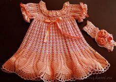 Нарядное платье для девочки крючком вязаное из хлопковой пряжи, очень нежное и ажурное