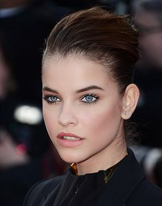L'ORÉAL PARiS und National Make-Up Artist Miriam Jacks präsentieren den Look der Stars: Model und Werbegesicht Barbara Palvin.