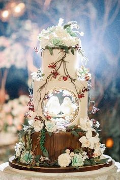 woodland themed wedding cakes white with flowers berriaes and two birds lenovelle cake bali via inst Themed Wedding Cakes, Wedding Cake Rustic, White Wedding Cakes, Beautiful Wedding Cakes, Gorgeous Cakes, Bird Wedding Cakes, Vegan Wedding Cakes, Whimsical Wedding Cakes, Creative Wedding Cakes