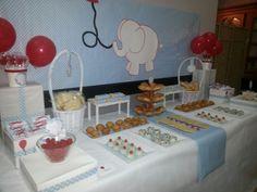 Diseño y decoración de eventos.  Mesa merienda para bautizo niño.  Tematica elefantito