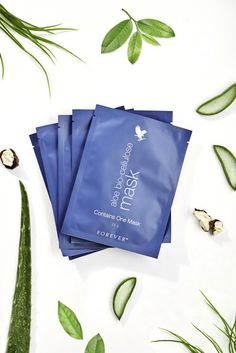 What can we say but wow, this Bio-Cellulose Mask is something else. With Aloe Vera and Seagrass fused into it's fibres it moisturises deep into fine lines and wrinkles for long lasting hydration and a youthful looking complexion. Aloe Vera For Skin, Aloe Vera Face Mask, Acne Face Mask, Aloe Vera Gel, Aloe Vera Hair Growth, Homemade Face Moisturizer, Forever Aloe, How To Apply Lipstick, Dull Skin