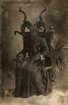 Image discovered by Find images and videos about dark, goat and occult on We Heart It - the app to get lost in what you love. Demon Art, Arte Horror, Horror Art, Creepy Images, Creepy Vintage, Satanic Art, Arte Obscura, Macabre Art, Occult Art