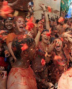 Annual Tomatina Festival in Spain: Photos