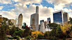 The history and travel tips for New York's Central Park #newyork #travelnyc #centralpark #thingstodoinnyc