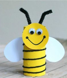 30 Fun Toilet Paper Roll Crafts For Kids - This Tiny Blue House Bee Crafts For Kids, Spring Crafts For Kids, Summer Crafts, Cute Crafts, Toddler Crafts, Preschool Crafts, Projects For Kids, Diy For Kids, Easy Crafts