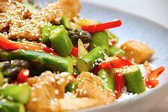Pasta Salad, Cobb Salad, Kung Pao Chicken, Wok, Stir Fry, Fries, Healthy Recipes, Healthy Food, Yummy Food