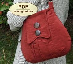 The Poacher's Bag is inspired by British country life in the with a gathered front pocket set into a pieced front. It features an unusual shaped flap and a template for an interior pocket that doubles as an alternative flap option. Bag Patterns To Sew, Vintage Sewing Patterns, Quilting Patterns, Pattern Sewing, Embroidery Patterns, Sewing Tutorials, Sewing Crafts, Tutorial Sewing, Bag Tutorials