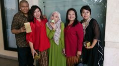 With my younger sister (2nd from left), the youngest (middle), my eldest sister (4th from left), and my wife (far right). 11 January 2015 at the Grand Cempaka Hotel in Jakarta.