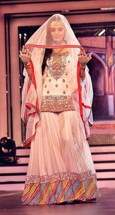 Indian Bridal Wedding Sharara Designs Collection Latest Wedding Bridal Sharara Designs & Trends Collection consists of Top Pakistani & Indian Designer fancy embroidered sharara dresses! Pakistani Wedding Outfits, Pakistani Bridal, Pakistani Dresses, Indian Bridal, Indian Dresses, Indian Outfits, Walima Dress, Sharara Designs, Black Satin Dress