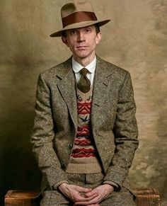 Very stylish. from ✸This Old Stomping Ground✸ Der Gentleman, Gentleman Style, Vintage Gentleman, Tweed Run, Tweed Jacket, Tweed Suits, Mens Suits, Retro 50, Mode Man