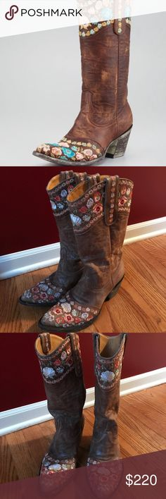 Old Gringo Gayla floral overlay boot Old Gringo Gayla Overlay Floral Boot these are amazing and in amazing shape really literally perfect these boots were 550$ retail I bought them for an event and they are just a little bit big on me I think these will fit 8.5-9 the detail and craftsmanship is simply amazing the floral pattern gorgeous dress these up or down Old Gringo Shoes Heeled Boots