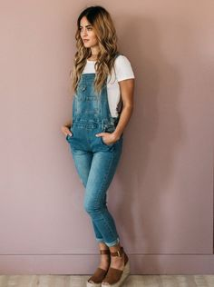 Light Denim Overalls Light Denim Overalls Light Denim Overalls The post Light Denim Overalls appeared first on New Ideas. Swag Outfits, Dressy Outfits, Casual Summer Outfits, Spring Outfits, Cute Outfits, Fashion Outfits, Modest Outfits, Skirt Outfits, Modest Fashion