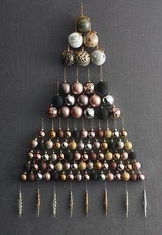 0b45e7b8e75ca metallic and blacks and that s my xmas theme. Black Xmas Tree