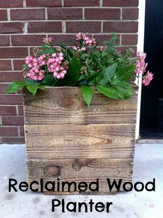 Easy reclaimed wood planter. Great for curb appeal at the entry!