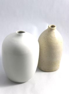 Find stunning Japanese homewares, decor and Kimono products as soon as they are added to Zenbu Home. Beautiful vintage, antique, handmade and new objects from around Japan by food and travel writer Jane Lawson. Japanese Things, Vase, Handmade, Vintage, Beautiful, Home Decor, Hand Made, Decoration Home, Room Decor