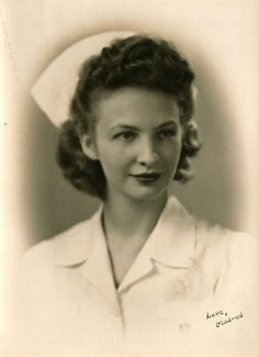 mildred p. smith  I love old nursing pictures