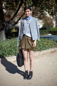 Paris Street Style A gilded Isabel Marant skirt is toned down for day with some sweatshirt dressing. Cool Street Fashion, Street Chic, Paris Fashion, Love Fashion, Spring Fashion, Fashion Outfits, Paris Street, Street Style Trends, Spring Street Style