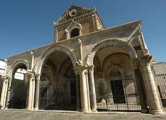 Cattedrale di San Pietro (Architettura) Located in Sessa Aurunca, Italia