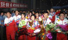 국제송구련맹컵경기대회(동아시아 및 동남아시아지역)에서 우승한 우리 선수들 귀국-《조선의 오늘》