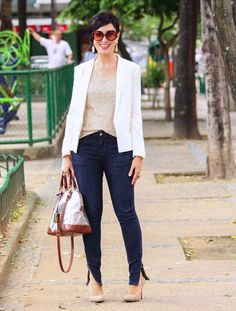 Ana - Hoje Vou Assim Off Blazer Off White, Look Blazer, Work Looks, Work Fashion, Jeans, Classy, Style Inspiration, Chic, How To Make