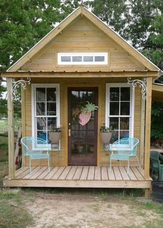 14 Beautiful DIY She Shed Ideas That Everyone Can Build shed design shed diy shed ideas shed organization shed plans Backyard Sheds, Outdoor Sheds, Backyard Cottage, Shed With Porch, Shed Decor, Cheap Sheds, Wood Shed, Shed Design, Garden Design